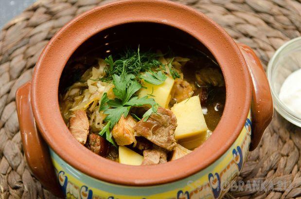 Старочешская зелначка (мясной суп с квашенной капустой)