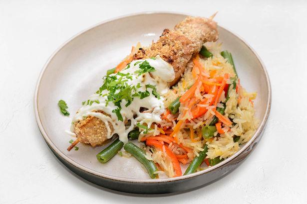 Шашлычок из маринованной индейки и рис басмати с овощами